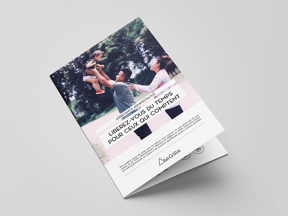 Flyer 2 volets. Format A5. Mise en page. InDesign. Page intérieur. Photographie et typographie. Pack de présentations.