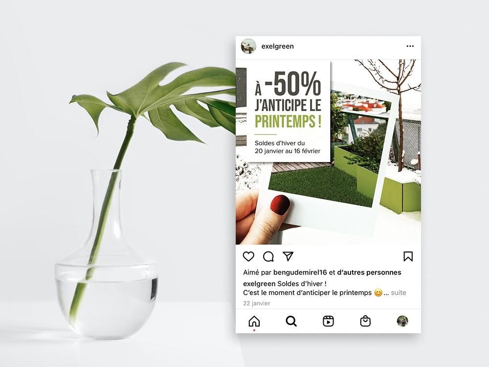 Post instagram des soldes d'hiver pour exelgreen. On y voit un balcon enneigé puis une photo polaroid posé dessus avec à l'intérieur le même balcon mais avec de l'herbe synthétique.